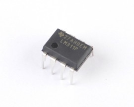 LM311P LM311 DIP-8 Voltage Comparator TEXAS IC