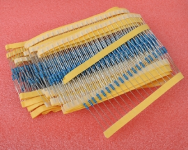 100pcs 100Ω 1/4W 1% Accuracy Metal Film Resistor