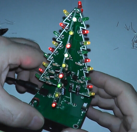 DIY Kit 3D Christmas Tree Kit with 3 Colors Red/Green/Blue Flashing ...